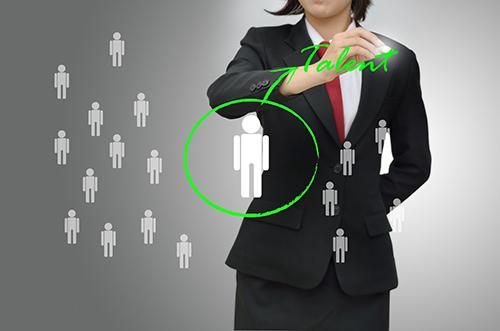 tìm kiếm ứng viên dịch vụ khách hàng
