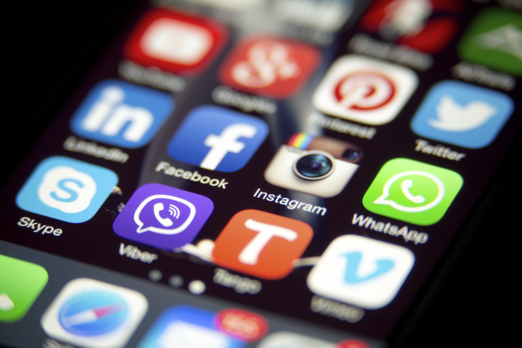 socmed messaging apps